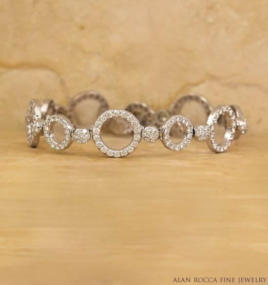 Bead Set Diamond Circle Link Bracelet