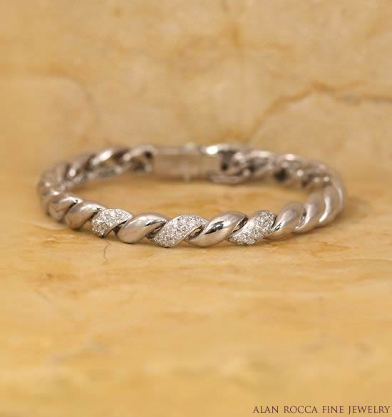 Twisted Link Bracelet with Pave Set Diamond Accents