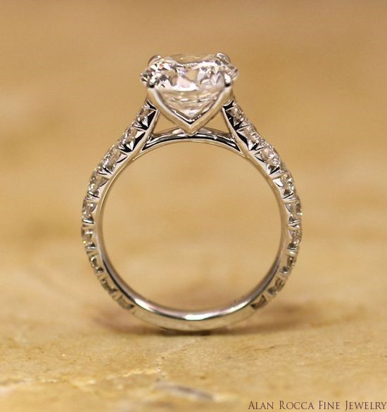 Brilliant Round Diamond Ring with Fancy Set Band