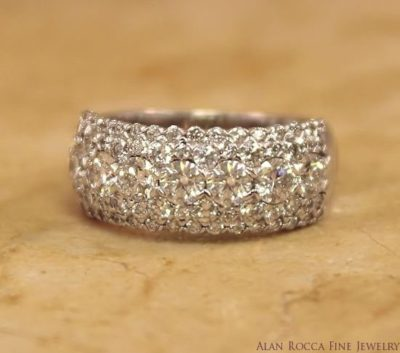Graduating Round Cut Diamond Pave Wedding Band